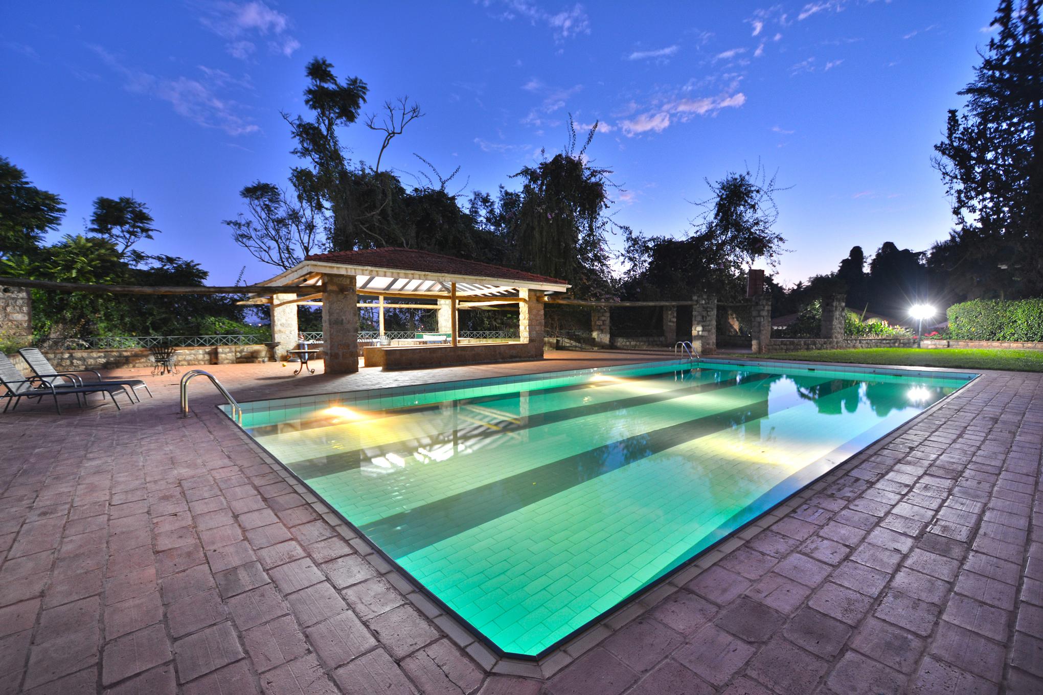 Facilities lakewood estates kampala for Pool design manufaktur ug rottenburg